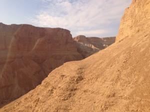 Continuous captivating cliffs