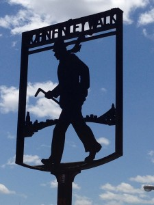 """John Finley Walk"" Silhouette on the East River named after a man dedicated to education who loved to walk the perimeter of Manhattan"